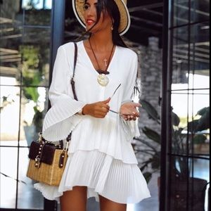 Bloggers white dress with pleats
